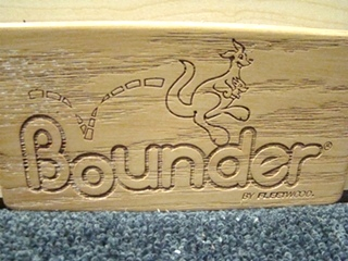 NEW BOUNDER WOOD PLATE MADE BY: FLEETWOOD PRICE:$5.00 +$5.99 SHIPPING