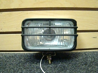 USED MAXTEL FOG LIGHT WITH CHROME  SIZE: 6 1/4