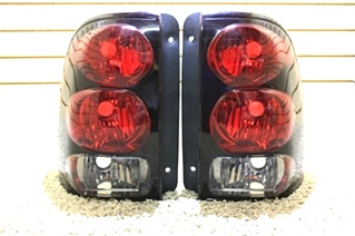 USED '07 - '15 NEWMAR ESSEX TAIL LIGHT LENS SET FOR SALE